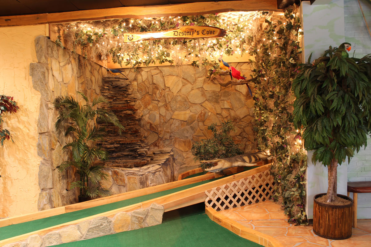 captain-jacks-mini-golf-destinyscove-interior